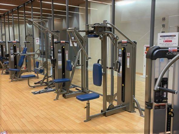 江東区立豊洲西小学校プール・トレーニング室の画像